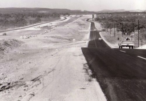 I-10 south of De Zavala looking north, 1966